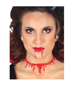 Cicatriz cuello con sangre