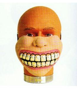 Mascara de Dientes con Aparato