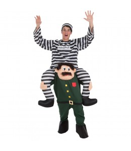 Guardia civil con preso